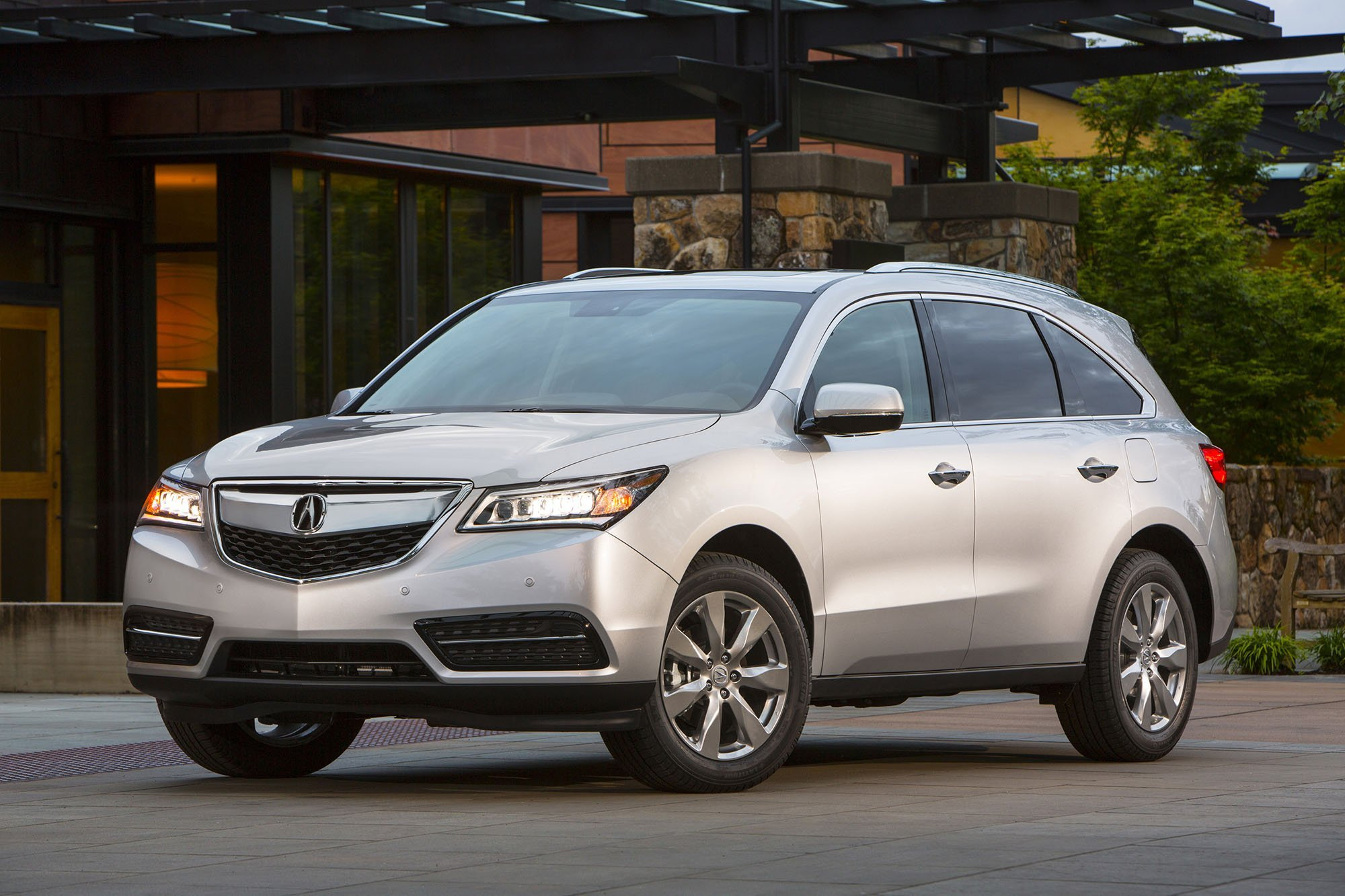 ACURA CANADA - Acura MDX chosen as 'Best New SUV over $60,000'