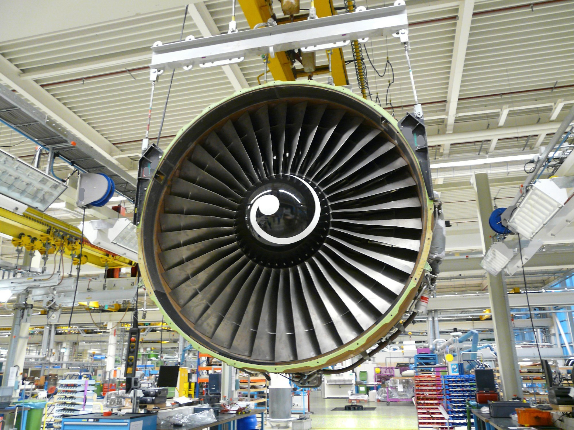 engine-aerospace-factory-manufacturing-Quebec-EDIWeekly