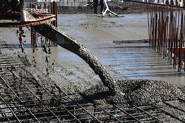 cement-pouring-concrete-Portland-calcium-carbonate-limestone-carbon-dioxide-EDIWeekly