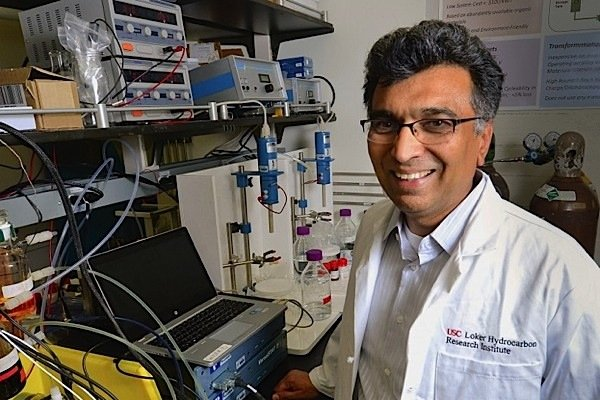 Sri-Naratan-professor-chemistry-University-Southern-California-energy-storage-battery-organic-carbon-dioxide-quinones-EDIWeekly