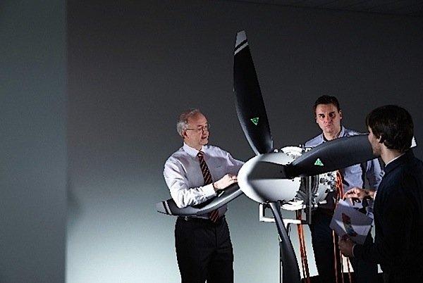 Siemens-Airbus-electric-engine-aircraft-power-battery-engineer-EDIWeekly