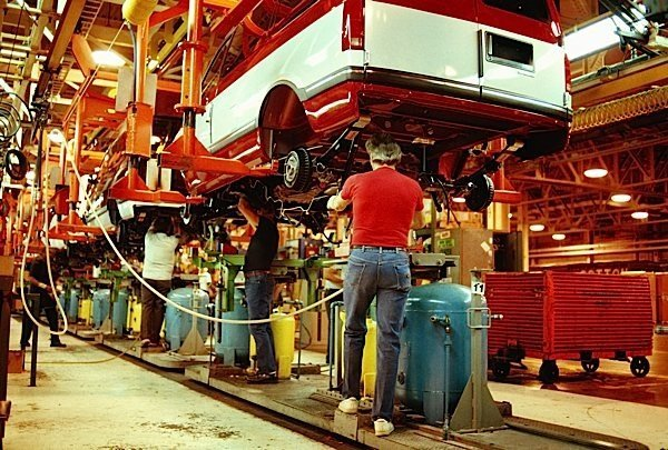 manufacturing-industry-auto-parts-EDIWeekly