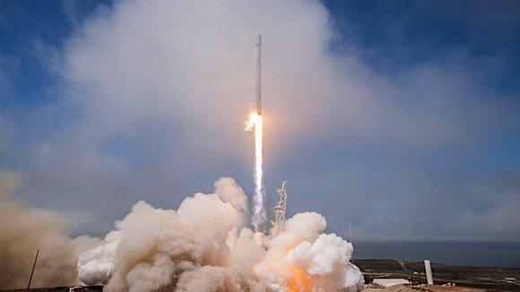 Falcon 9 1.jp2 560