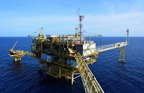 oil offshore drilling subsea energy industry skilled labour shortage liquefied natural gas LNG petrochemicals DOW EDIWeekly