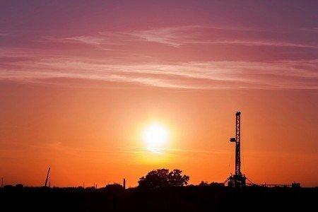 horizontal drilling fracturing hydraulic fracking oil crude heavy light Western Canada US Gulf Coast pipeline transportation EDIWeekly