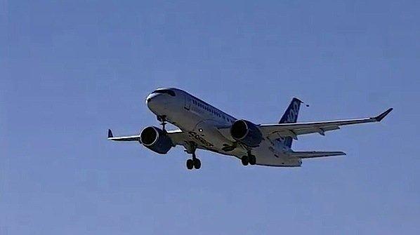Bombardier-CSeries-aircraft-jet-test-flight-Montreal-EDIWeekly