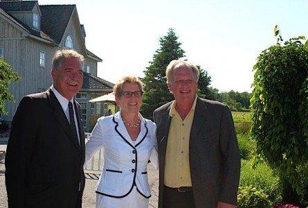 Premier Kathleen Wynne Ontario food beverage industry strategy EDIWeekly