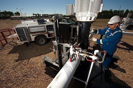 Pembina pipeline worker maintenance EDIWeekly