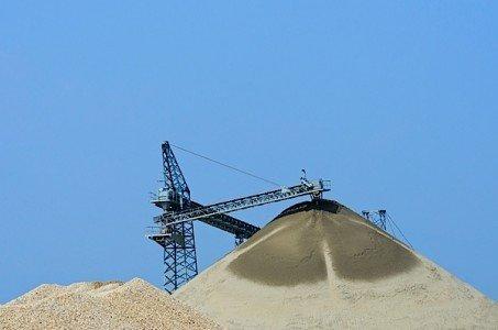 gravel sand quarry construction crane Goderich K2Wind Ontario Power Authority FIT megawatt wind power Samsung Siemens EDIWeekly