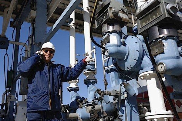 oil-gas-engineer-petroleum-commodities-pipeline-Canada-profits-corporation-business-industry-EDIWeekly