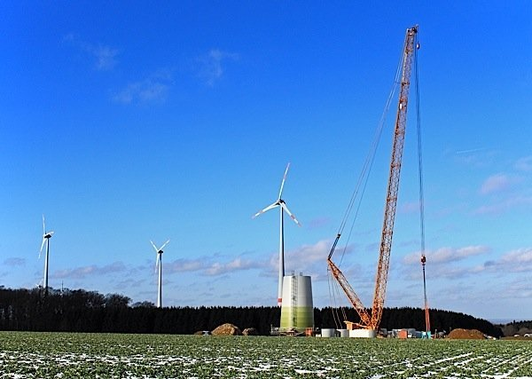 construction-wind-turbines-NextEra Energy-Goshen-Wind-Centre-Huron-County-Environment-Canada-EDIWeekly