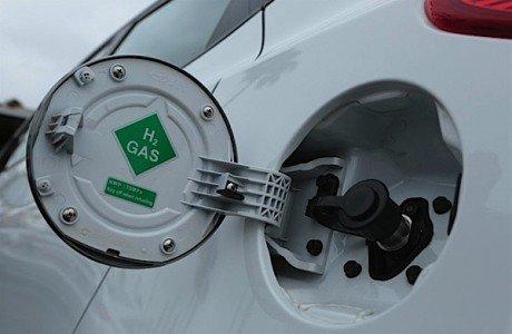 Hydrogen Hyundai fuel cell Tucson FCEV Toyota Mirai EDIWeekly