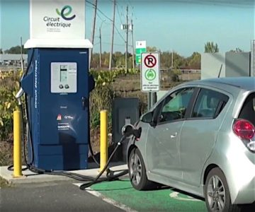 Quebec Tesla ModelS 100D electric vehicle Quebec Electric Circuit range charging station battery EDIWeekly
