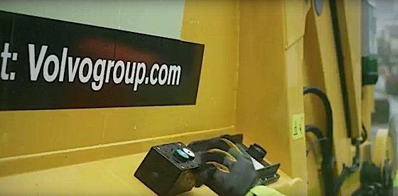 Engineered Design InsiderVolvos robot garbage truck start buttonOil Gas Automotive Aerospace Industry Magazine