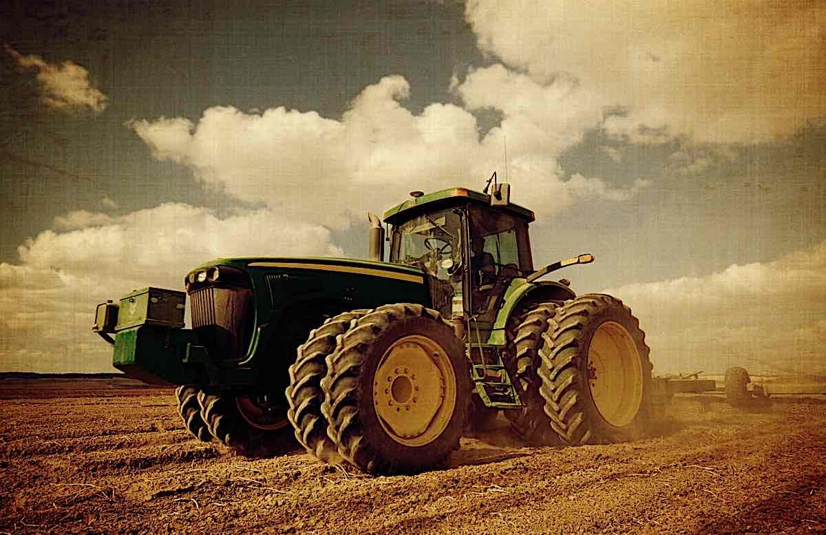 Engineered Design Insider Heavy tractor in fieldOil Gas Automotive Aerospace Industry Magazine