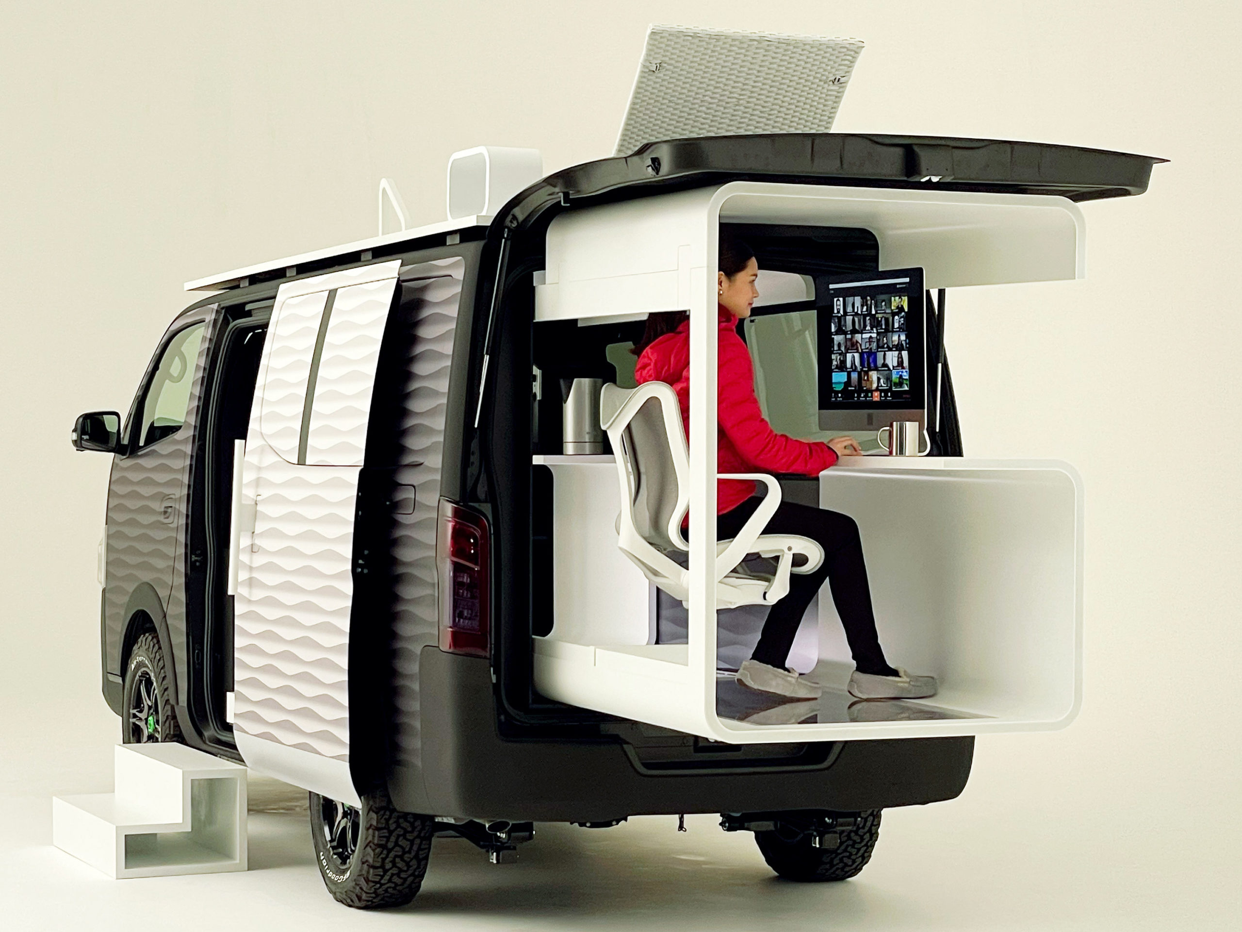 Nissan Van for Remote Workers 2 scaled